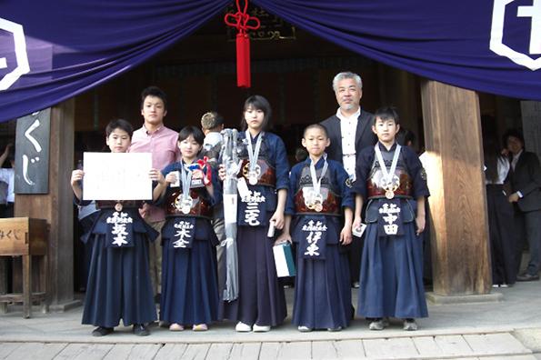 第39回砥鹿神社例祭奉納少年少女剣道大会 小学生の部 第3位 東院剣友会チーム